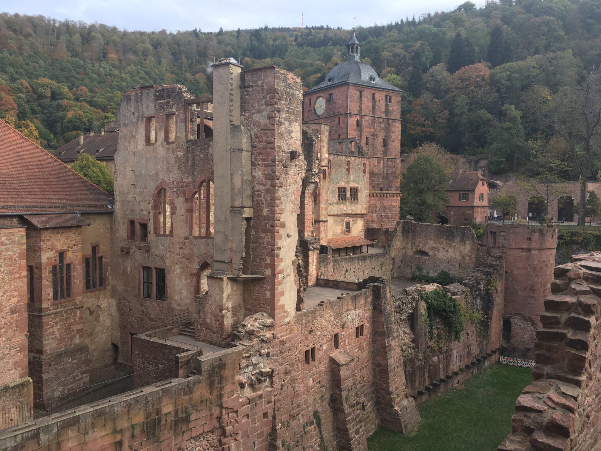 Heidlelberg Schloss mit Hirschgraben