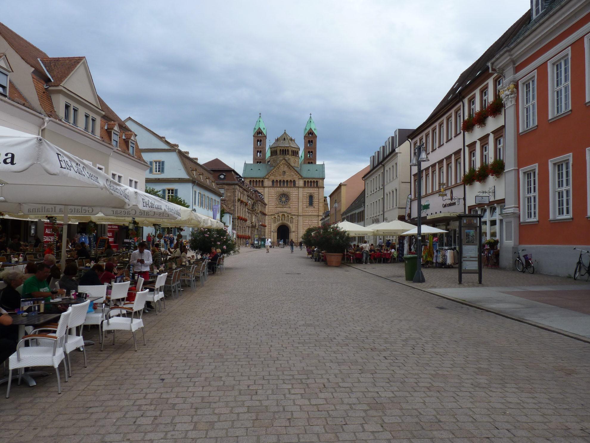Speyer Maximilian Str. mit Dom